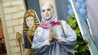 Mulan Jameela, Biduan Kafe yang Melenggang ke Senayan