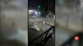 VIDEO: Detik-detik Bentrok Polisi dan Warga di Mesir