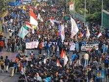 Massa Mahasiswa dan Petani Mulai Kepung Gedung DPR/MPR