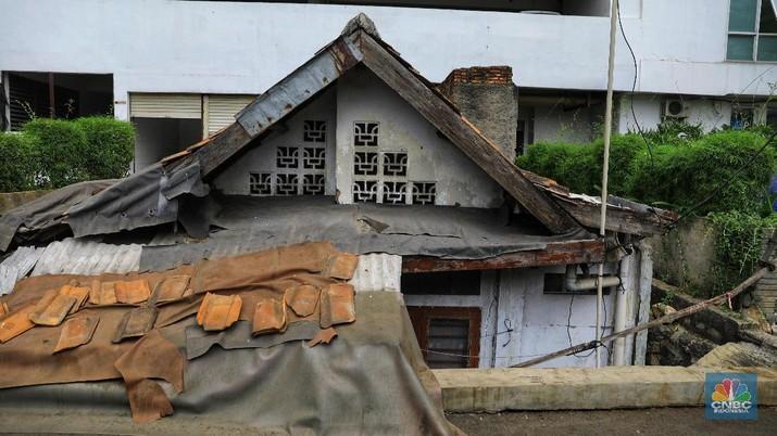 Kondisi Rumah Tua, yang Ada di Dalam Apartemen Mewah (CNBC Indonesia/Andrean Kristianto)