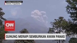 VIDEO: Gunung Merapi Semburkan Awan Panas