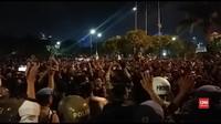 VIDEO: Unjuk Rasa di Depan DPR, Massa Jebol Pagar