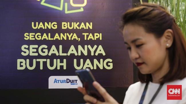 Keberadaan fintech diharapkan mampu memberikan layanan keuangan kepada penduduk di kawasan terluar dan terpencil Indonesia. Selain itu, mempercepat rencana pemerintah untuk meningkatkan inklusi keuangan yang ditargetkan mencapai 75 persen tahun ini. (CNNIndonesia/Safir Makki).