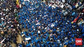 Kapolres Pekanbaru Pingsan Saat Amankan Demo Mahasiswa