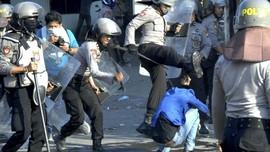 FOTO: Bentrokan saat Demo Mahasiswa di Seluruh Indonesia