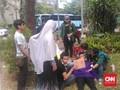 Kena Gas Air Mata, 4 Mahasiswa Pingsan di Halaman Gedung DPR