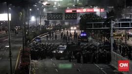 TNI dan Polisi Sempat Buyar Tak Tahan Gas Air Mata
