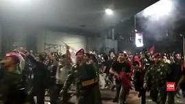VIDEO: Sempat Audiensi, Massa Kembali Serbu Polisi