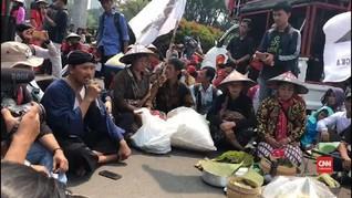 VIDEO: Ratusan Petani Demo Jokowi Tolak RUU Pertanahan