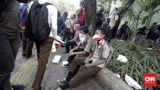 Puluhan Pelajar Palembang 'Dijemur' Polisi saat Hendak Demo