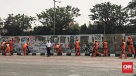 Tembok Penuh Mural Umpatan ke DPR di Senayan Dicat Ulang