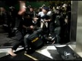 VIDEO: Viral Polisi Keroyok Demonstran Setelah Demo DPR