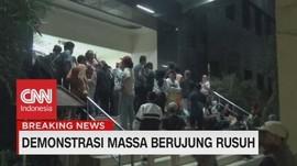 VIDEO: Ratusan Orang Tua Pelajar Datangi Polda Metro Jaya
