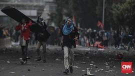Mahasiswa Rusak Gedung DPRD Sumbar: Kaca Pecah, Meja Terbalik