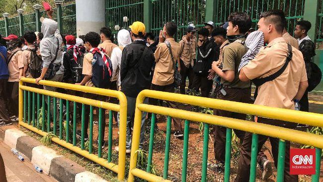 KPAI Kawal Anak di Bawah Umur Diduga Bakar Pos Polisi Slipi