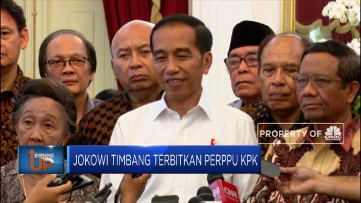 Berbagai pihak terus mendesak Presiden Joko WIdodo untuk menerbitkan Perppu KPK.
