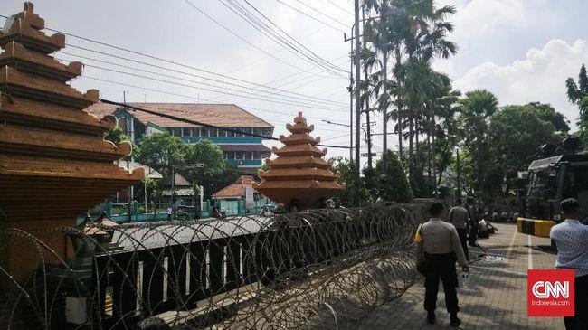 Aksi #SurabayaMenggugat, Polisi Siagakan 2.000 Pasukan
