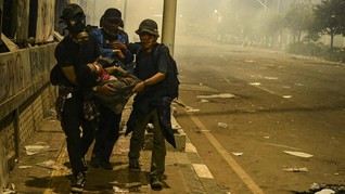 Ombudsman: Polisi Tak Gunakan Senjata Api Kawal Demo di DPR