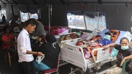 Pengungsi Gempa Ambon Keluhkan Tenda Sobek ke Jokowi