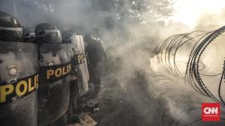 Demo Mahasiswa di Pamekasan Ricuh, Polisi Tembak Gas Air Mata