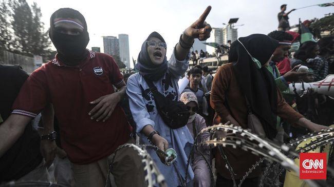 Emak-emak Desak Polisi Setop Kekerasan pada Pengunjuk Rasa