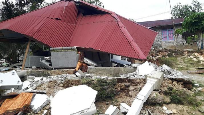 Gempa bumi berskala 5 Magnitudo mengguncang wilayah Tenggara Kabupaten Sukabumi dengan kedalaman pusat gempa 10 km.