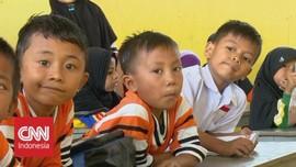 VIDEO: Setahun Pascagempa, Siswa Belajar di Sekolah Darurat