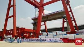 Girder Pertama Kereta Cepat Jakarta-Bandung Dipasang