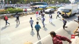 VIDEO: Massa Demonstran Penuhi Kawasan Sekitar Gedung DPR