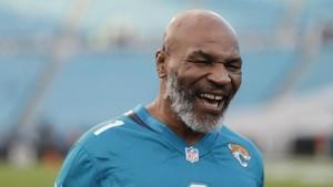 Mike Tyson Hanya Sekali Pukul Orang di Penjara