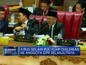 Detik - Detik Ketua DPR Pamit di Rapat Paripurna Terakhir