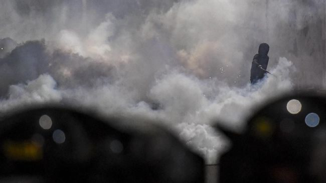 Gas Air Mata Pecah di Atma Jaya, Evakuasi Korban Terganggu
