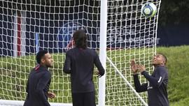 PSG Gembira Karena Mbappe dan Neymar Makin Mesra