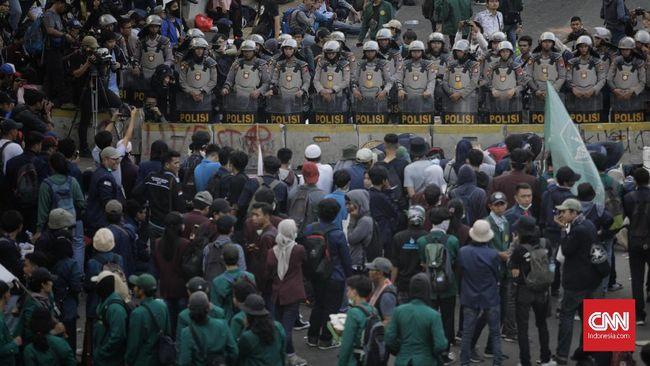 37 Kampus Ancam Sanksi Mahasiswa yang Ikut Demonstrasi