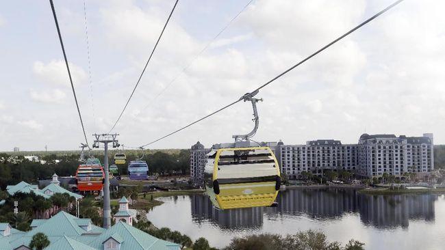 Tak Perlu Cari Parkir, Ada Kereta Gantung di Disney World
