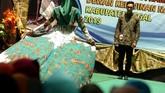 Hari Batik Nasional menandai diakuinya batik Indonesia sebagai Warisan Budaya Takbenda oleh Badan PBB untuk Pendidikan, Keilmuan, dan Kebudayaan alias UNESCO pada 2009 lalu. (ANTARA FOTO/Oky Lukmansyah/hp)