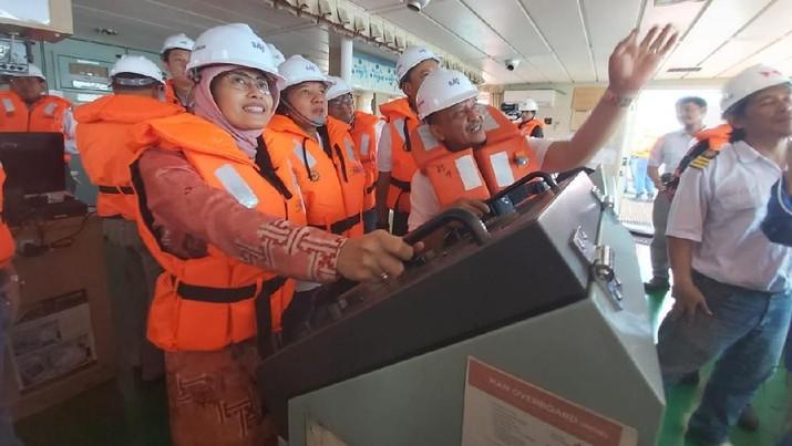 KM Malahayati Baruna merupakan kapal milik BAG ke 10 dengan kapasitas angkutan 56 ribu DWT