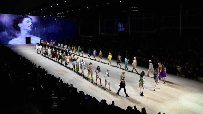 'Gado-gado' Ghesquiere untuk Louis Vuitton di Paris