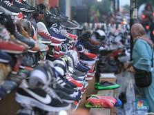 Sepatu KW Impor Vietnam Obrak-abrik RI, Siapa yang Rugi?