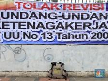 Buruh Bergerak, Iuran BPJS Tak Jadi Naik Pak Jokowi?