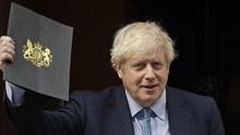 Boris Johnson Rebut Ponsel Wartawan di Tengah Wawancara