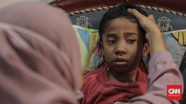 Kerusuhan di Wamena, Papua, terjadi pada Senin (23/9). Warga menduga perusuh berasal dari luar wilayah Wamena. Dalam kerusuhan itu, sejumlah anak-anak menjadi korban. (CNN Indonesia/Bisma Septalisma)