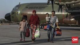 Naik Hercules, 51 Pengungsi Wamena Asal Sumbar Tiba di Halim