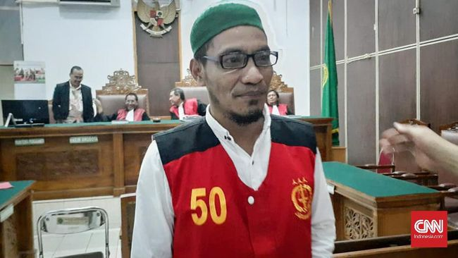 Bacakan Pleidoi, Abdul Ghani Ngabalin Terima Tuntutan Jaksa