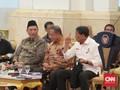 Gaya Peci Hitam Luhut dalam Sidang Kabinet Terakhir di Istana