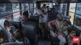 Sejumlah warga trauma akibat kerusuhan di Wamena. Namun, sebagian berniat untuk kembali ke Wamena bila kondisi keamanan mulai stabil. (CNN Indonesia/Bisma Septalisma)