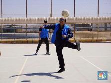 Sumbang Rp 84 M, Dato Sri Tahir Main Bola Sama Bocah Suriah