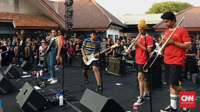 Untuk kali pertama kali The Panturas tampil di Synchronize Fest 2019, Sabtu (5/10). (CNN Indonesia/M Andika Putra)