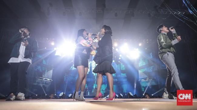 Spotify on Stage kembali digelar untuk yang ketiga kalinya di Jakarta. Sederet musisi meramaikan gelaran yang berlangsung di JIExpo, Kemayoran, Jakarta, Jumat (4/10).(CNN Indonesia/Bisma Septalisma)