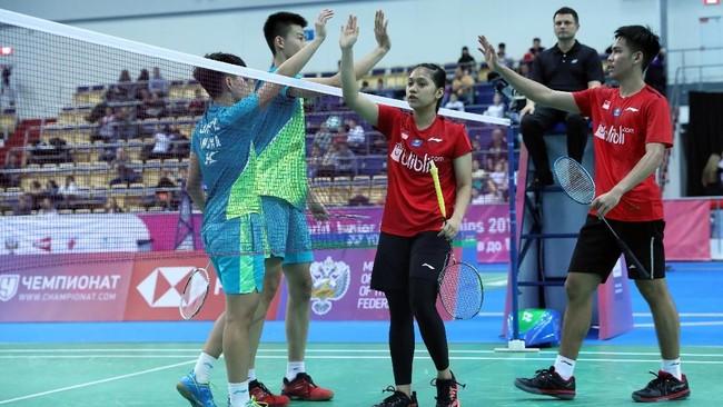 Daniel/Indah berhasil membawa Indonesia memimpin 1-0 lewat kemenangan21-18, 18-21, 21-11. (dok.PBSI)